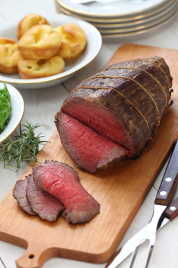 roast-beef-with-yorkshire-pudding-PH2U9ZW.jpg