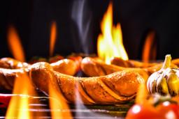 bbq-sausage-6GZHMUS.jpg