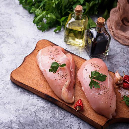 Pair of English chicken fillets from Suffolk
